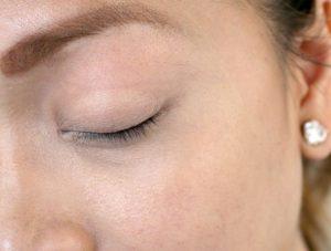 راهکارهایی برای جلوگیری از ریزش موهای ابرو و مژه ها