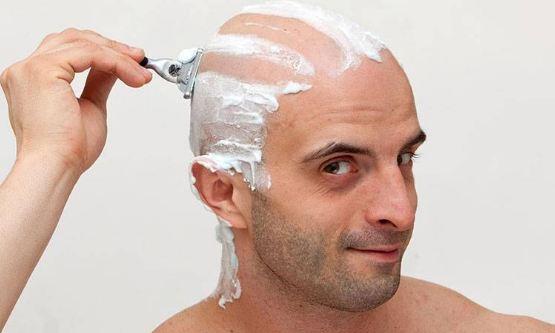 تراشیدن موها با تیغ چه تاثیری روی رشد موها دارد؟!