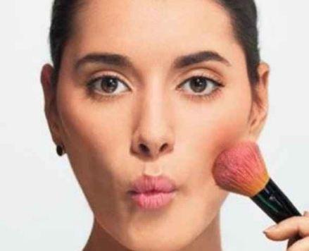 ترفندهای آرایشی برای جوان سازی صورت!+تصاویر