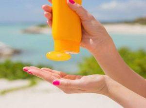 استفاده بی رویه از کرم ضد آفتاب چه ضررهایی برای پوست دارد؟!!