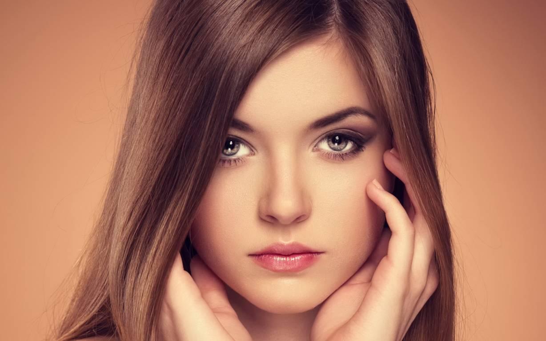 پنهان کردن پف پلک ها با ترفندهای آرایشی!