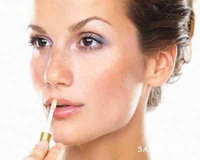 اشباهات آرایش لب که سن را بیشتر نشان می دهد!