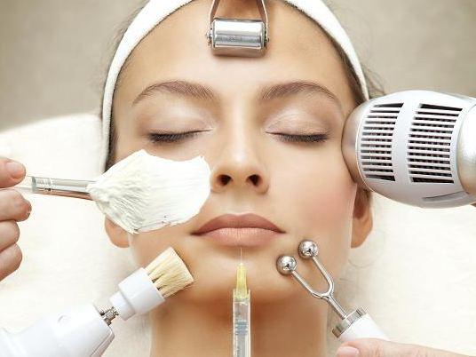 چهار روش برای از بین بردن کک و مک های صورت!