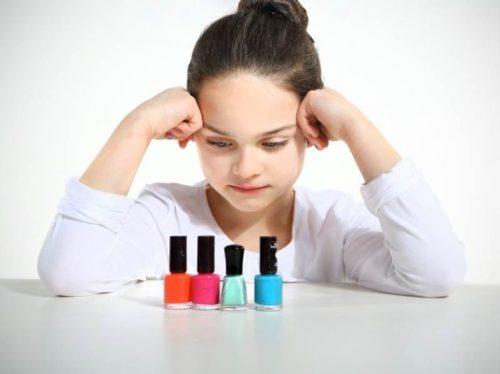 تاثیر استفاده از لوازم آرایشی غیرشیمیایی برای دختران نوجوان!