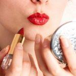 اشتباهات رایج در زدن رژ لب که از زیبایی شما می کاهد را بدانید!