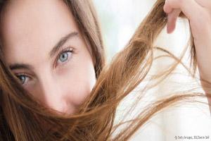 مشکل ریزش مو در فصل پاییز را اینگونه برطرف کنید!