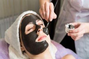 آیا واقعا ماسک زغال برای درمان مشکلات پوستی اثر گذار است!