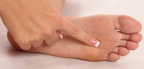 درمان خشکی کف پا