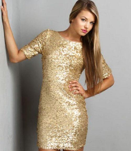 آرایش با لباس طلایی