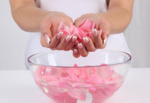تاثیرات گلاب بر روی پوست