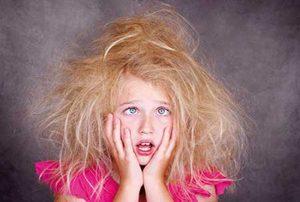 -کردن-موهای-وز-و-خشک-1-300x202.jpg