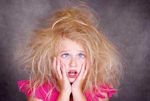 ۱۲ روش برای صاف کردن موهای وز و خشک!