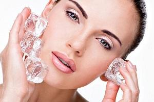 فواید یخ برای پوست و معجزه آن برای زیبایی